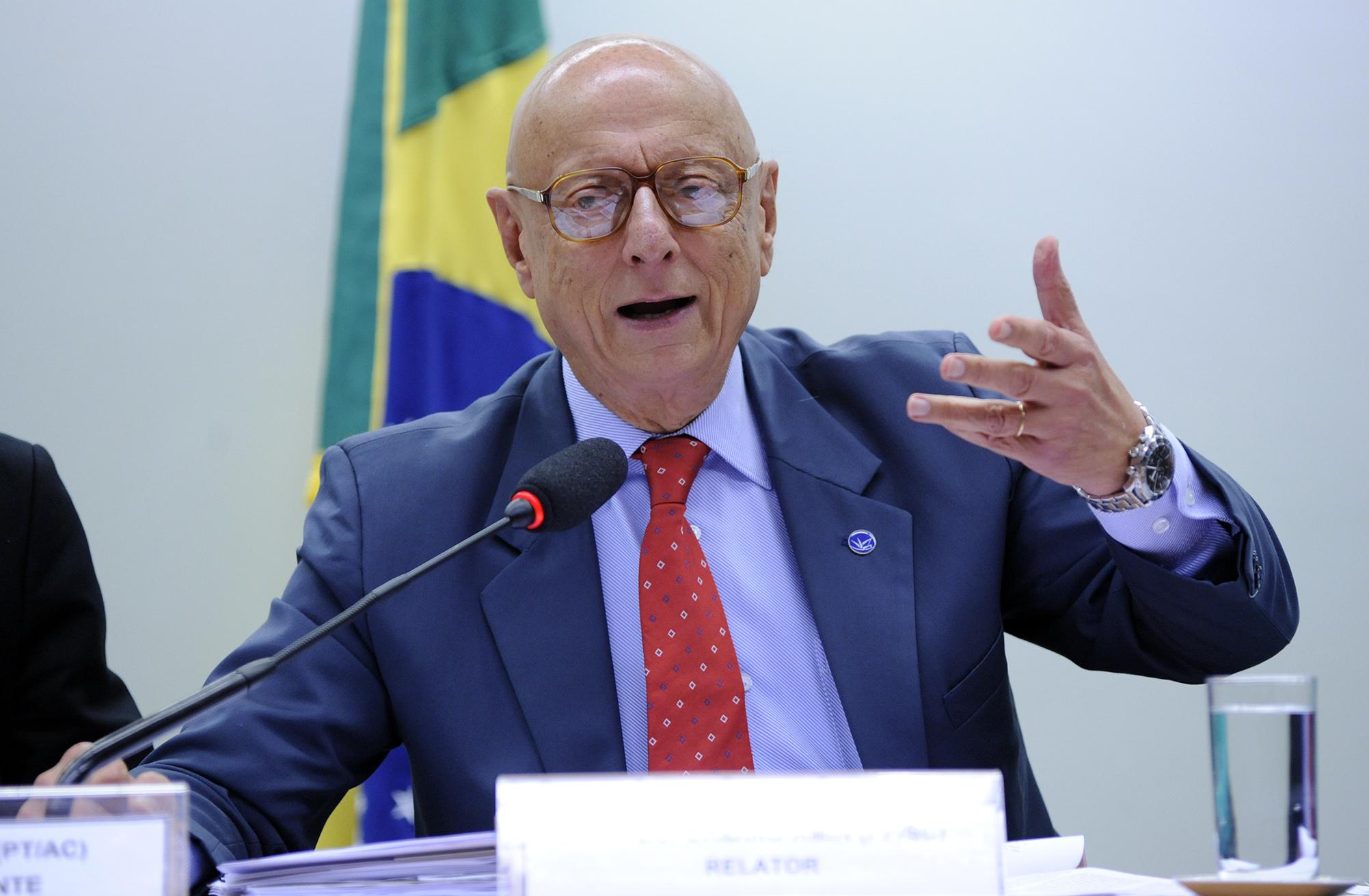 Esperidião Amin tem contas rejeitadas pelo TRE-SC, que lhe cobra a devolução de R$ 23,4 mil - Lucio Bernardo Jr. / Câmara dos Deputados