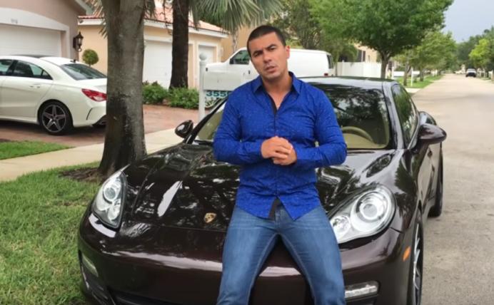"""Youtuber eleito deputado se diz arrependido: """"Era mais fácil ter ficado em Miami"""" - Reprodução / Facebook"""