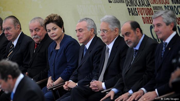 Os ex: José Sarney, Lula, Dilma, Temer, FHC e Fernando Collor participam da solenidade de inauguração da Comissão Nacional da Verdade, em 2012