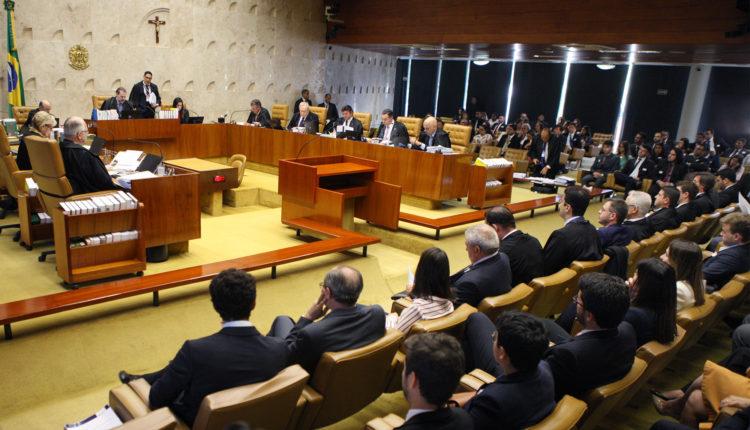 STF. Sessão plenária do STF julga legalidade de aplicativos de transporte; Fux e Barroso já se manifestaram favoravelmente. Votação aberta mesas congresso