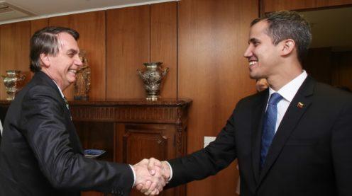 Bolsonaro. Bolsonaro. Bolsonaro e Guaidó dão ares oficiais a uma visita que teria caráter pessoal