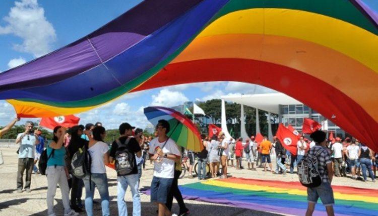 """STF. """"Debate não é mais questão de teses acadêmicas. Agora, a Suprema Corte do país jogou luz de forma enfática sobre o assunto e pede apenas respeito"""", celebra líder da causa LGBTI"""