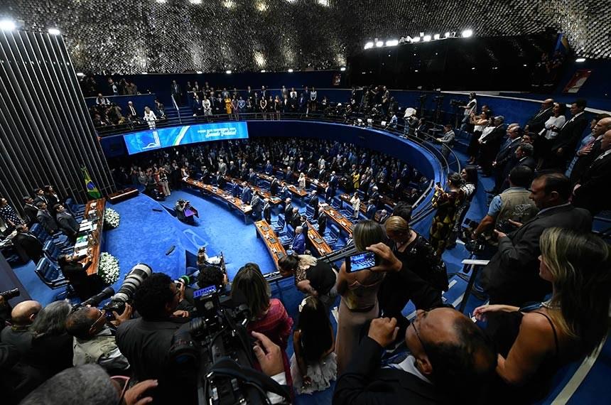 Senado dá posse ao senador mais jovem da história e outros 53. Veja a lista completa - Marcos Oliveira/Ag. Senado
