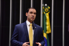 Vicentinho Júnior (PR-TO) – quase R$ 1 milhão de gastos