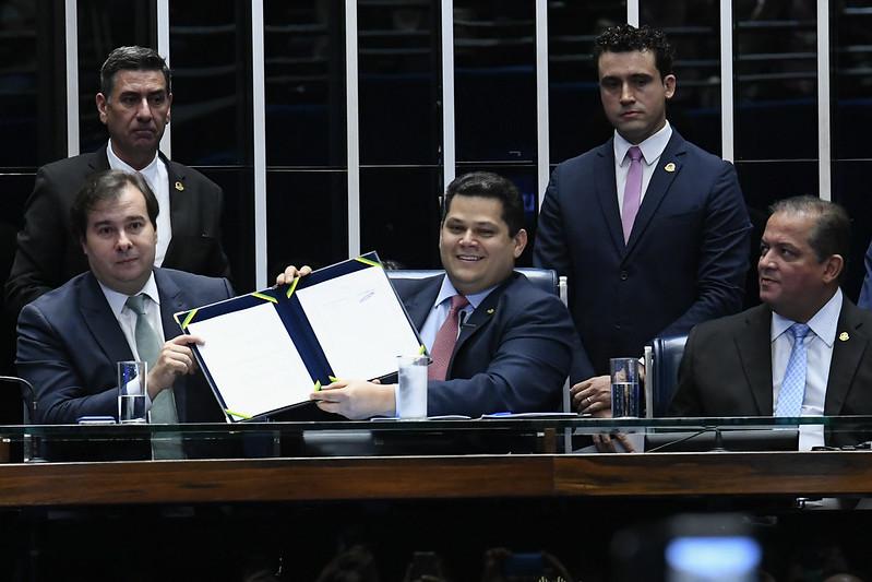 Deputados cobram fatura da reforma da Previdência e ameaçam Bolsonaro.
