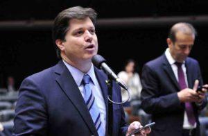Presidente do MDB, Baleia assina reforma tributária idealizada pelo economista Bernard Appy[fotografo]Luis Macedo/Ag. Câmara[/fotografo]