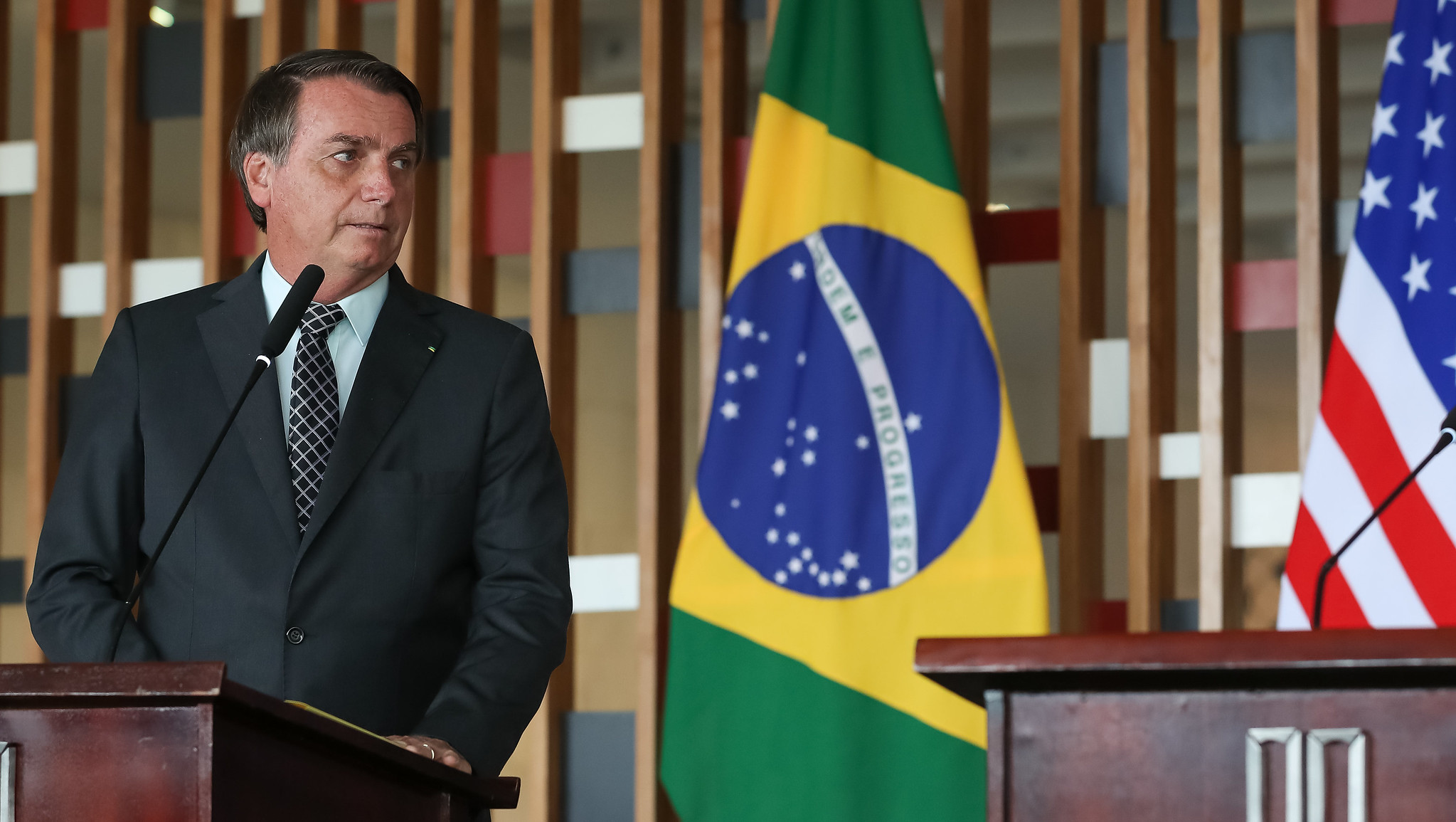 Governadores criticam decisão de Bolsonaro contra vacina chinesa