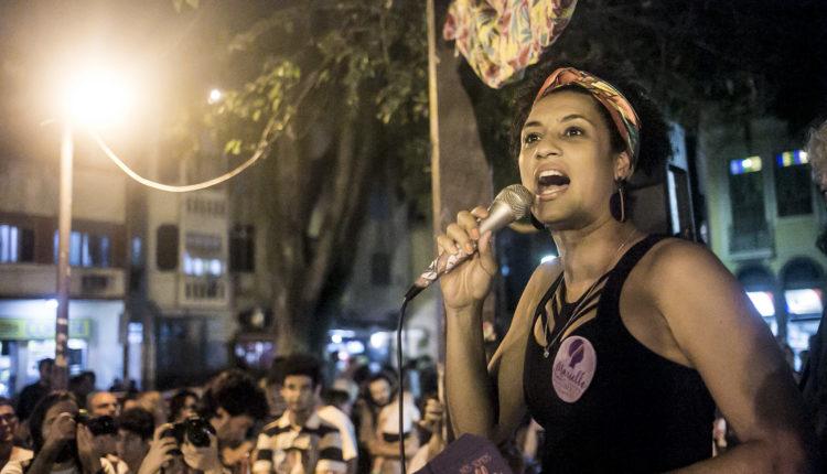 A então candidata a vereadora, Marielle Franco (PSOL), em discurso no Rio de Janeiro. [fotografo]Mídia Ninja/Flickr[/fotografo]