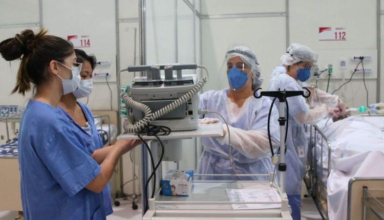 Enfermeiros em UTI. Fiocruz diz que Brasil vive seu pior momento de colapso[fotografo] Rovena Rosa/Agência Brasil [/fotografo]