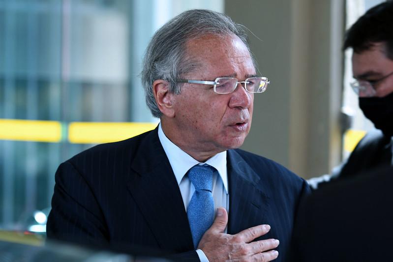 Comissão da reforma administrativa aprova convite a Paulo Guedes