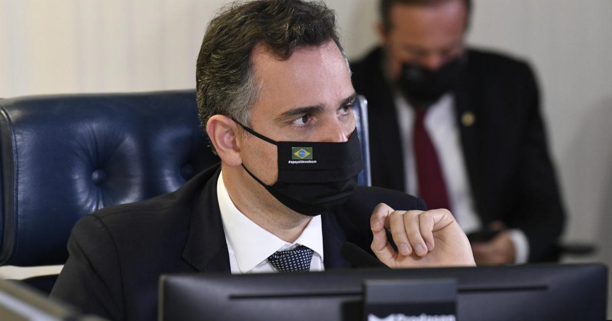 Pacheco convida embaixador chinês ao Senado e isola Bolsonaro