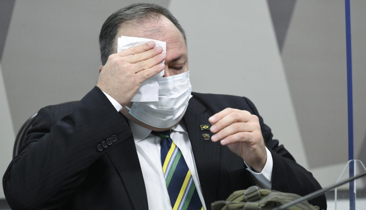 Eduardo Pazuello em depoimento na CPI da Covid. Jefferson Rudy/Agência Senado