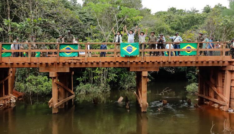 (São Gabriel da Cachoeira - AM, 27/05/2021) Ato alusivo à inauguração da ponte Rodrigo e Cibele em São Gabriel da Cachoeira - AM. Foto: Isac Nóbrega/PR